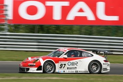 #97 BMS Scuderia Italia Porsche 997 GT3 RSR: Marc Lieb, Emmanuel Collard, Matteo Malucelli