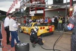 Pitstop for #5 Carsport Holland Corvette C6R: Jean-Denis Deletraz, Mike Hezemans, Fabrizio Gollin, Marcel Fassler