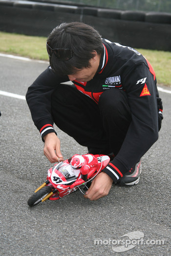 Remote controlled bike race: Noriyuki Haga