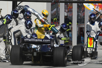 Nico Rosberg, WilliamsF1 Team, FW29 pit stop