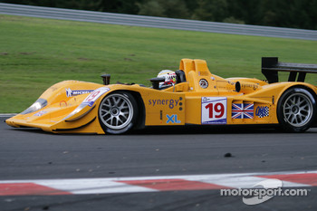Bus stop: #19 Chamberlain Synergy Motorsport Lola B06/10  AER: Gareth Evans, Bob Berridge, Peter Owen