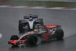 Lewis Hamilton, McLaren Mercedes, MP4-22 and Nico Rosberg, WilliamsF1 Team, FW29