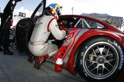 Pitstop for #45 Flying Lizard Motorsports Porsche 911 GT3 RSR: Johannes van Overbeek, Jorg Bergmeister, Marc Lieb
