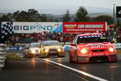 Craig Lowndes, Jamie Whincup win the Bathurst 1000 (TeamVodafone Ford Falcons BF)