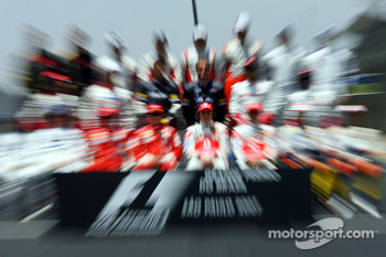 The end of season group photo: Fernando Alonso, McLaren Mercedes