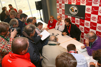 Press conference with Stéphane Ratel
