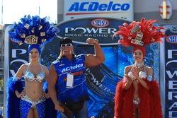 Hulk Hogan with Vegas Girls