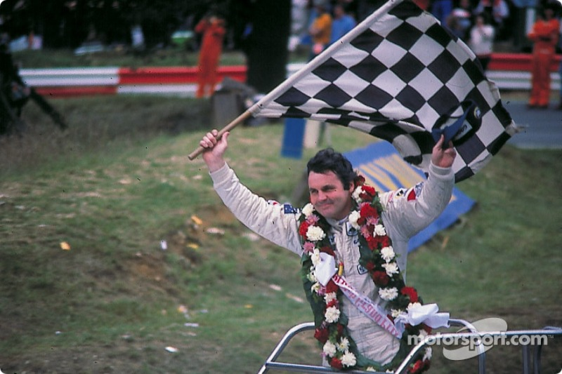Victory lap for Alan Jones