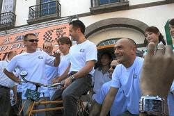 Larini, Huff, Farfus, Priaulx and Tarquini line up for a photo