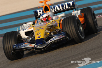 Sébastien Loeb tests the Renault F1