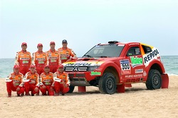 Repsol Mitsubishi Ralliart Team: Nani Roma and Lucas Cruz Senra, Luc Alphand and Gilles Picard, StÈphane Peterhansel and Jean-Paul Cottret, Hiroshi Masuoka and Pascal Maimon with the new Mitsubishi Pajero/Montero Evolution MPR13