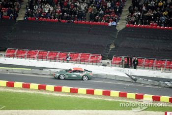 Quarter final 3: Heikki Kovalainen crashes out