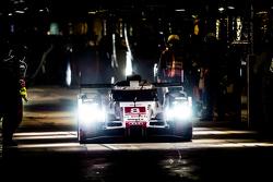 #8 奥迪乔斯特车队 奥迪R18 e-tron quattro:卢卡斯·迪格拉西、罗伊克·杜瓦尔、奥利弗·贾维斯
