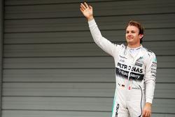 Nico Rosberg, Mercedes AMG F1 Team celebrates his pole