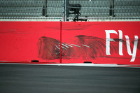 Tyre marks on the wall after Carlos Sainz Jr., Scuderia Toro Rosso crashed in the third practice session