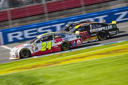 Jeff Gordon, Hendrick Motorsports Chevrolet and Ryan Newman, Richard Childress Racing Chevrolet