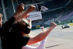Winners #16 Yaco Racing Audi R8 LMS ultra: Rahel Frey, Philip Geipel