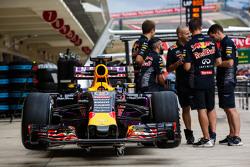 Red Bull Racing RB11 van Daniel Ricciardo, Red Bull Racing in de pits