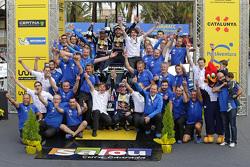 Ganadores Andreas Mikkelsen y Ola Floene, Volkswagen Polo WRC, Volkswagen Motorsport