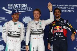 Calificación: ganador de la pole Nico Rosberg, Mercedes AMG F1, segundo lugar Lewis Hamilton, Mercedes AMG F1, y el teercer puesto Daniel Ricciardo, Red Bull Racing