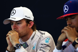 亚军尼科·罗斯伯格,与冠军刘易斯·汉密尔顿,梅赛德斯车队,赛后FIA新闻发布会