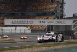 奥迪乔斯特车队7号奥迪R18 e-tron quattro赛车:安德烈·洛特勒、本诺伊特·特鲁耶、马塞尔·法斯勒