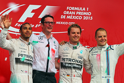 Podium: Second place Lewis Hamilton Mercedes AMG F1, Andrew Shovlin, Mercedes AMG F1 Engineer, Race winner Nico Rosberg, Mercedes AMG F1, third place Valtteri Bottas, Williams