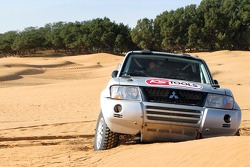 Team Fleetboard Dakar training in Tunisia: the Mitsubishi Pajero