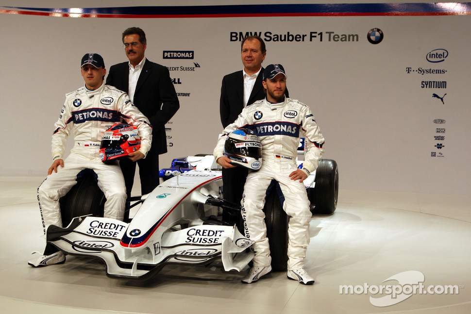 Robert Kubica and Nick Heidfeld, Willy Rampf, BMW-Sauber, Technical Director and Dr. Mario Theissen, BMW Sauber F1 Team, BMW Motorsport Director, pose with the new BMW Sauber F1.08