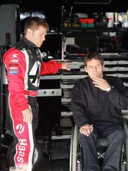 Scott Riggs talks with crew chief