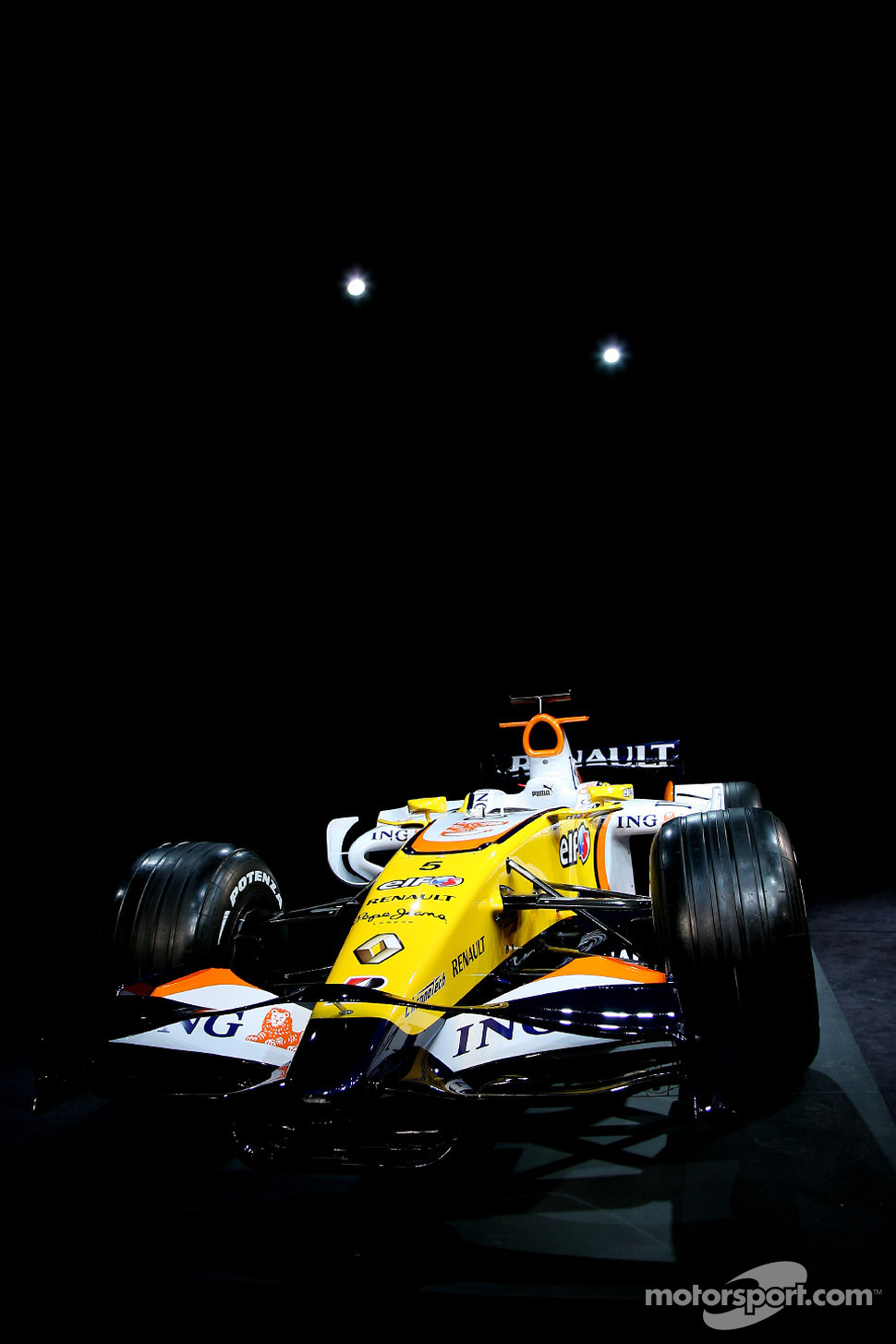 The Renault F1 R28