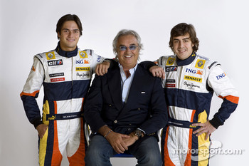 Flavio Briatore, Managing Director, Renault F1, Fernando Alonso, Renault F1 Team, Nelson A. Piquet, Renault F1 Team