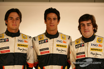 Fernando Alonso, Renault F1 Team, Nelson A. Piquet, Renault F1 Team, Lucas Di Grassi, Test Driver, Renault F1 Team