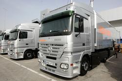 McLaren Mercedes, trucks