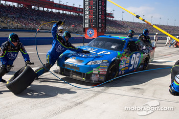 Pit stop for J.J. Yeley