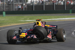 David Coulthard, Red Bull Racing, crashes out of the race