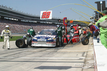 Pit stop for Dale Earnhardt Jr