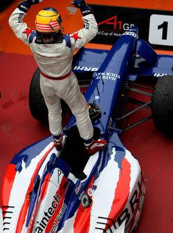 Winner, 1st, Jonathan Summerton, driver of A1 Team USA