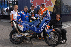 Winning Dakar Bike 2007 sold for Wings For Life
