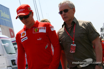 Kimi Raikkonen, Scuderia Ferrari and David Robertson, Manager of Kimi Raikkonen