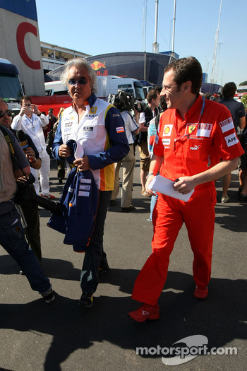Flavio Briatore, Renault F1 Team, Team Chief, Managing Director, Stefano Domenicali, Scuderia Ferrari, Sporting Director