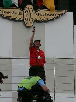 The gun signals the end of qualifying