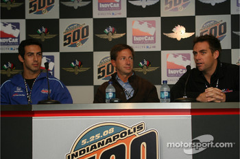 Jeff Simmons, John Andretti and Phil Giebler during a press conference