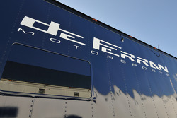 de Ferran Motorsports transporter
