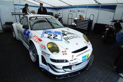 #22 HISAQ Competition Porsche 997 GT3 RSR: Emmanuel Collard, Marino Franchitti, Frank Stippler, Richard Westbrook