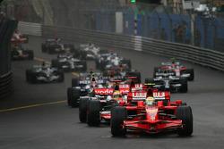 Start, Felipe Massa, Scuderia Ferrari, F2008, leads Lewis Hamilton, McLaren Mercedes, MP4-23