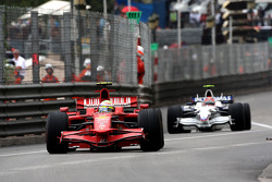 Felipe Massa, Scuderia Ferrari leads Robert Kubica,  BMW Sauber F1 Team