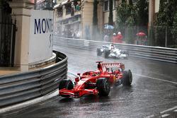Kimi Raikkonen, Scuderia Ferrari leads Robert Kubica,  BMW Sauber F1 Team