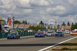 #118 Volkswagen Motorsport VW Scirocco: Thomas Mutsch, Florian Gruber, Jimmy Johansson takes the checkered flag