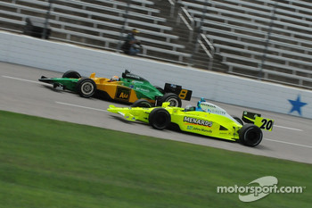 Ed Carpenter running with Will Power